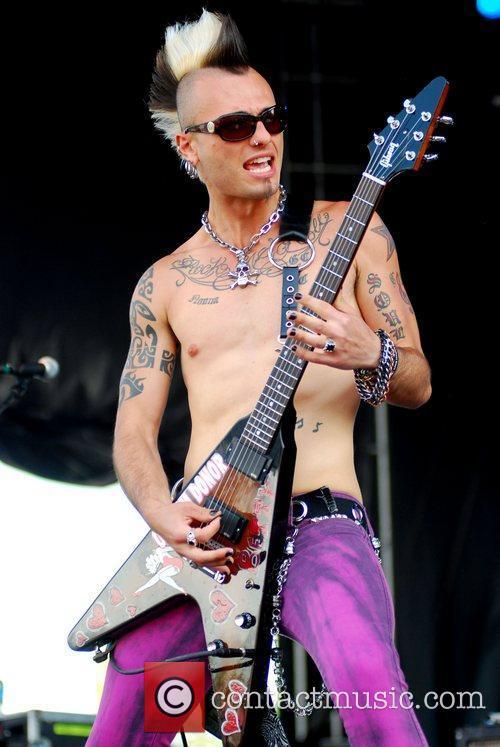 My Darkest Days Rock On The Range 2011...