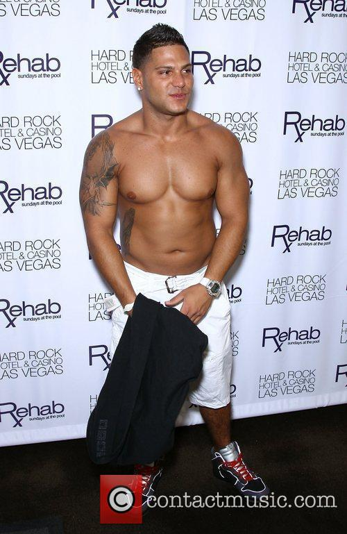 Jersey Shore's, Ronnie Ortiz-Magro, makes an appearance at...