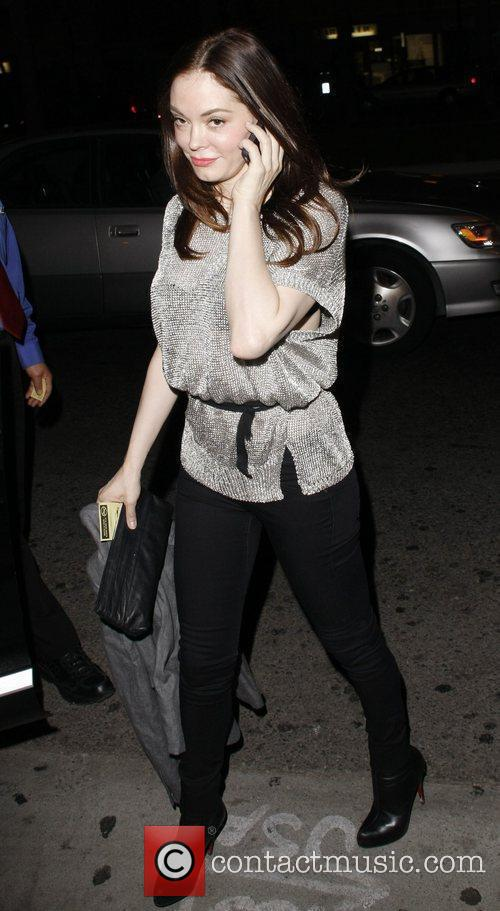 Rose McGowan visits Dan Tana's restaurant in Hollywood...