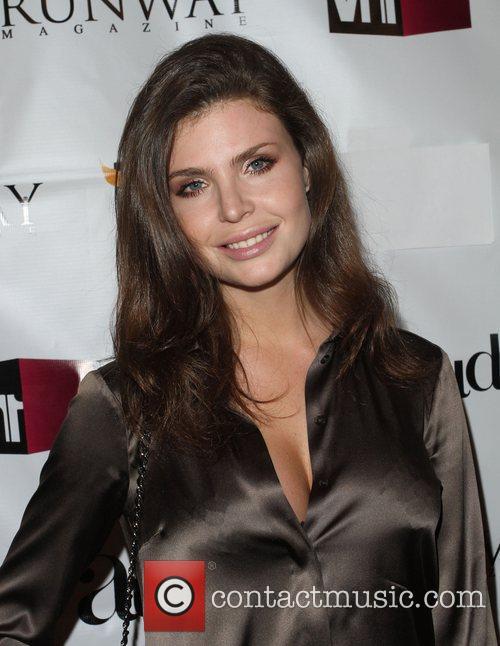 Julia Lescova VH1 Joins Runway Magazine To Kick...