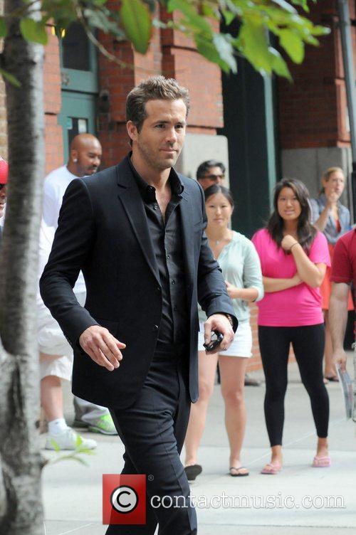 Ryan Reynolds leaving his Manhattan Hotel