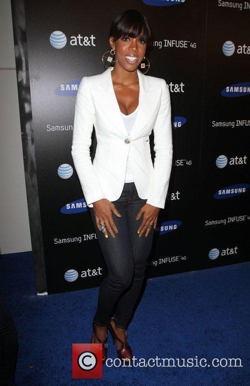 Kelly Rowland Samsung Infuse 4G For AT&T launch...