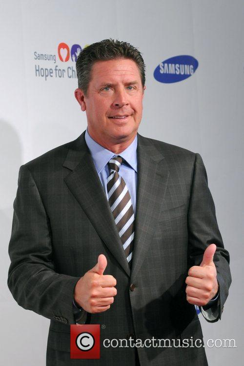 Dan Marino 2011 Samsung Hope For Children Benefit...