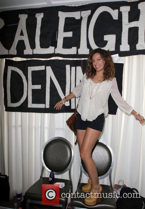 Vanessa Lengies 4