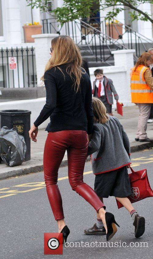 Elle Macpherson dropping her children off at school...