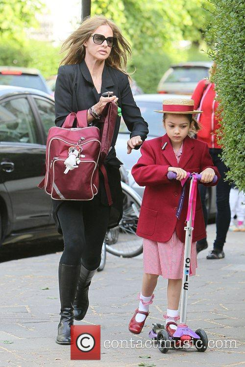 Dropping her daughter Lyla off at school