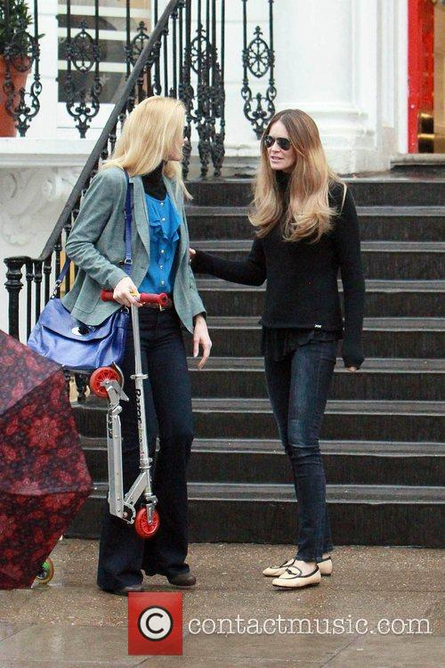 Claudia Schiffer and Elle Macpherson 4