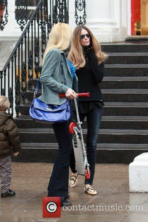 Claudia Schiffer and Elle Macpherson 7