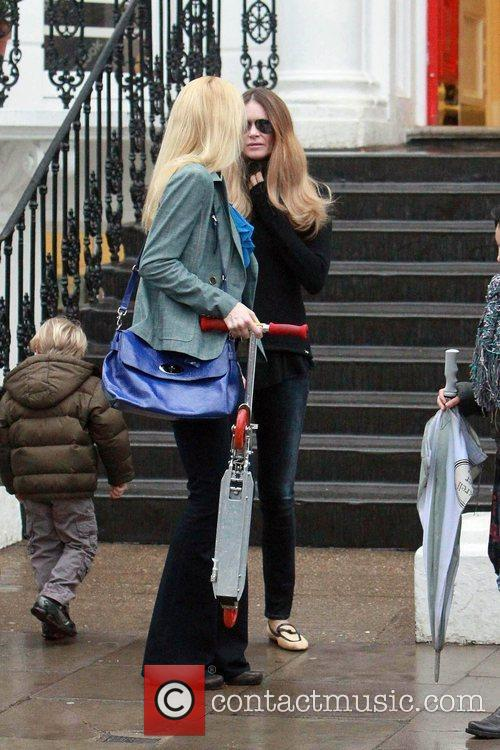 Claudia Schiffer and Elle Macpherson 6