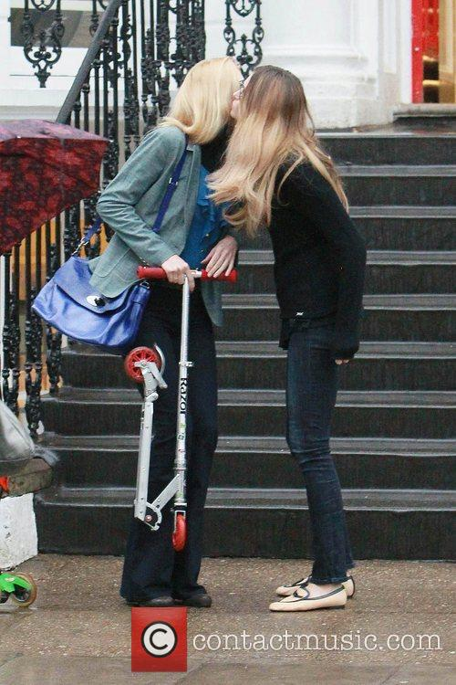 Claudia Schiffer, Elle Macpherson and The Cheek