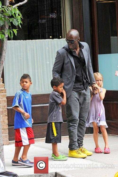 Seal and familys out and about in Manhattan