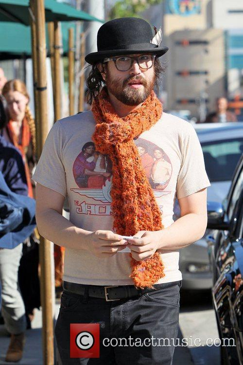 Sean Lennon and his girlfriend shopping at Urth...