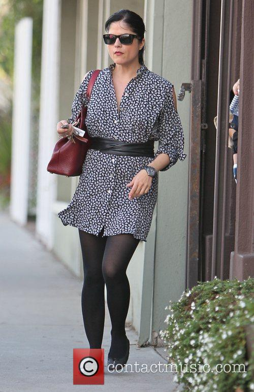 selma blair leaves decades clothing store in 3605552