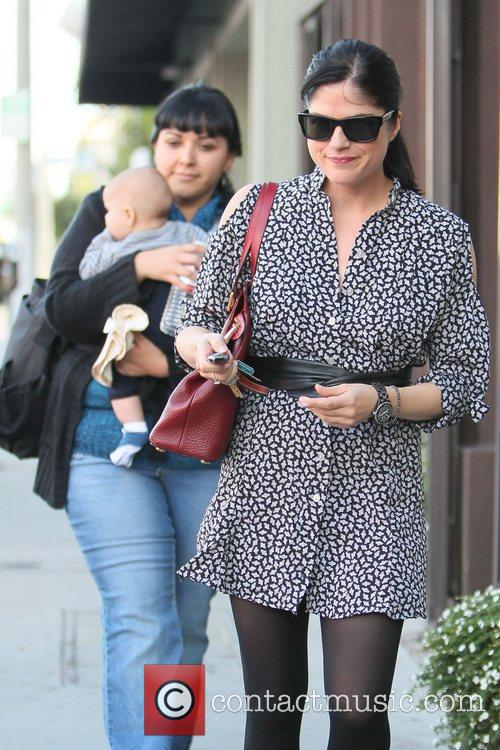 selma blair leaves decades clothing store in 3605568