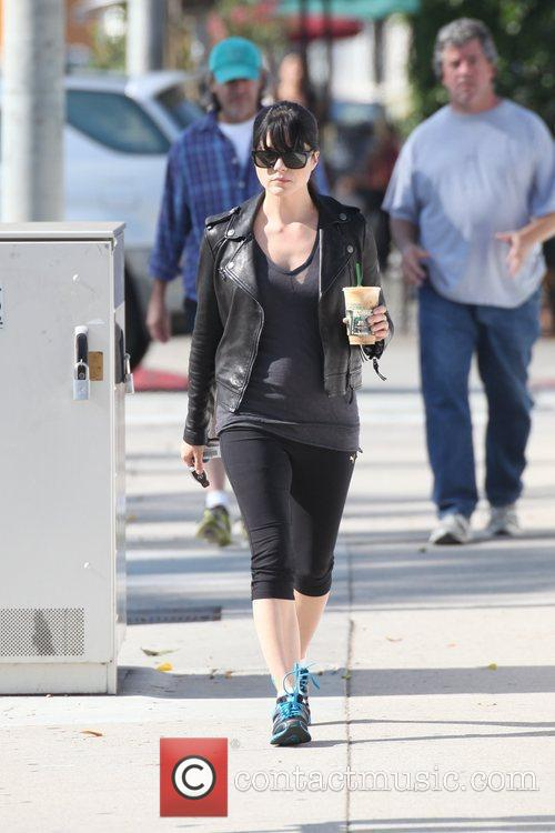 selma blair out getting a coffee in 3615715