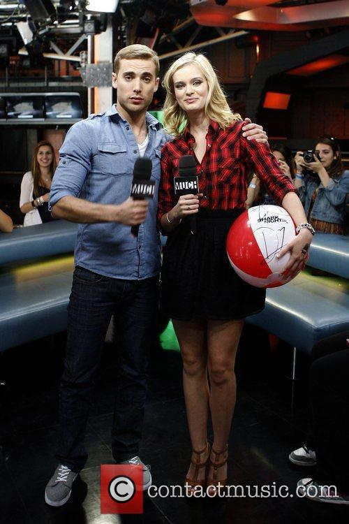 Sara Paxton and Dustin Milligan  appearances on...