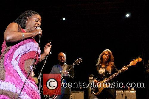 Sharon Jones And The Dap-Kings 14