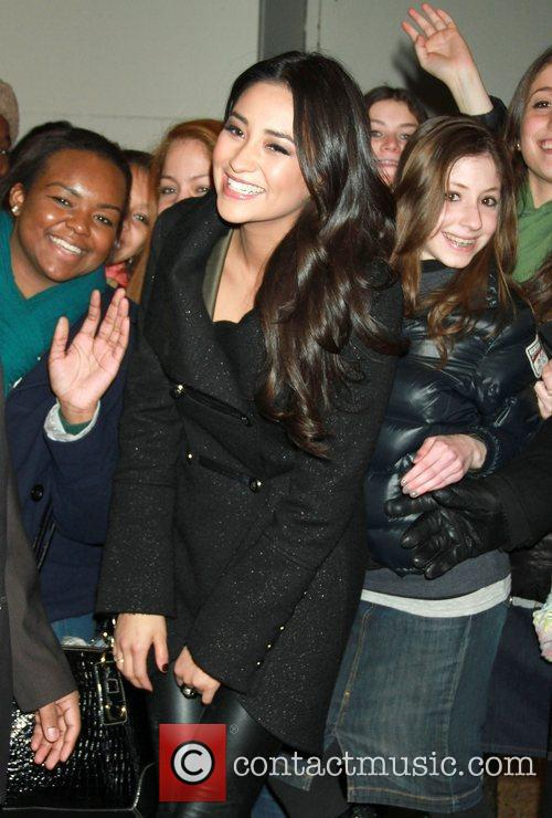 Shay Mitchell, Liars and Mtv 4