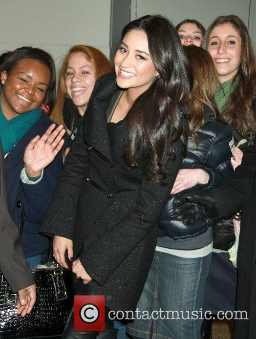 Shay Mitchell, Liars and Mtv 5