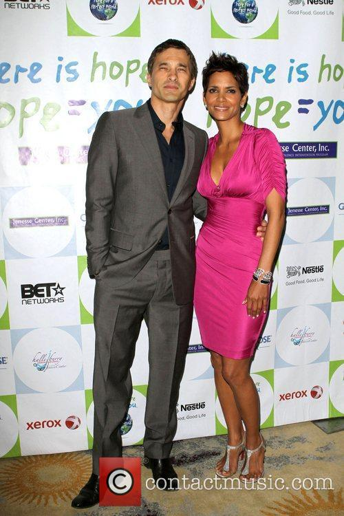 Halle Berry and Olivier Martinez 11