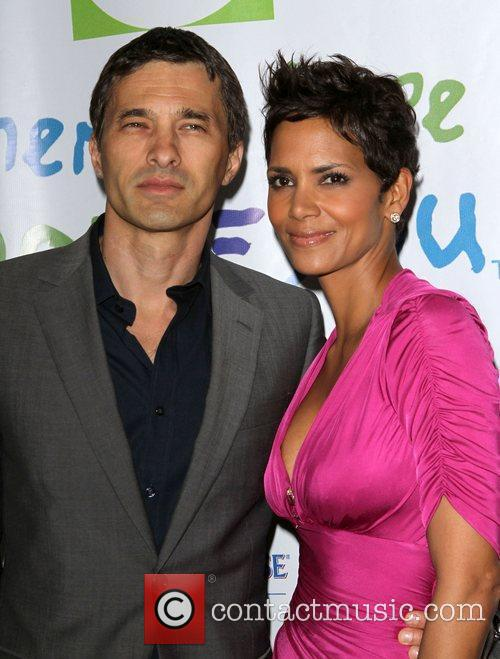 Halle Berry and Olivier Martinez 4