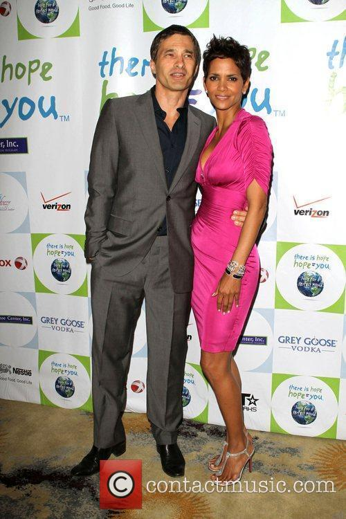 Halle Berry and Olivier Martinez 12