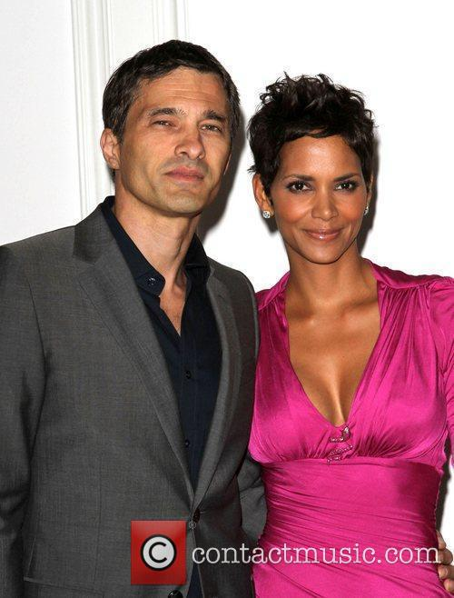 Halle Berry and Olivier Martinez 13