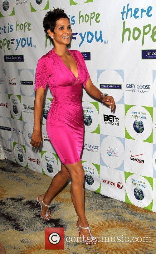 Halle Berry 4