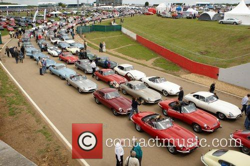 E Type Jaguars Silverstone Classic 2011 Rocking and...