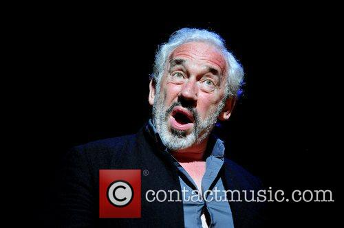 Simon Callow 6