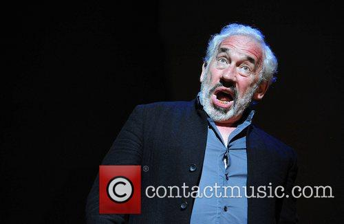 Simon Callow 9