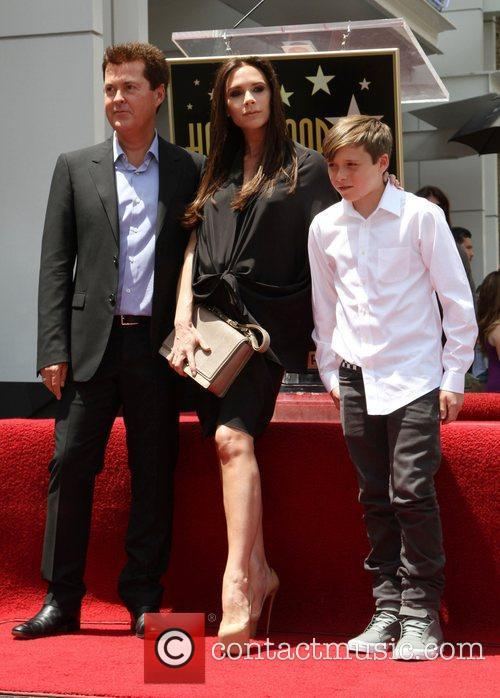 Simon Fuller, Brooklyn and Victoria Beckham 5
