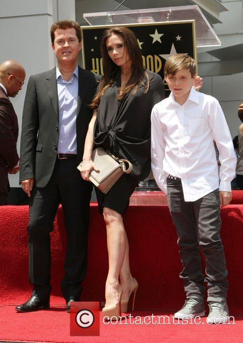 Simon Fuller, Brooklyn and Victoria Beckham 6