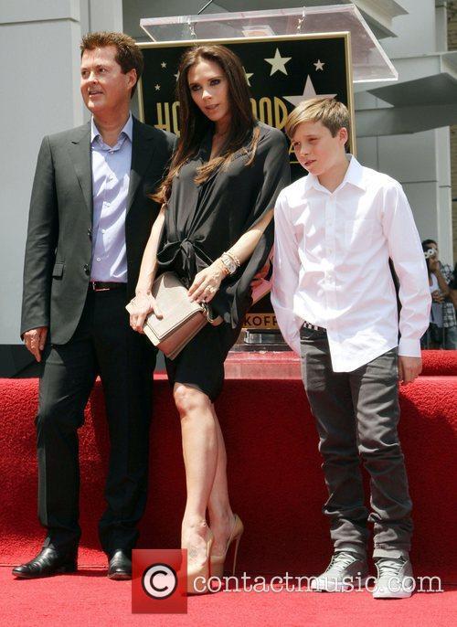 Simon Fuller, Brooklyn and Victoria Beckham 4