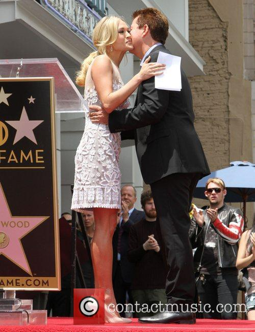 Carrie Underwood and Simon Fuller 4