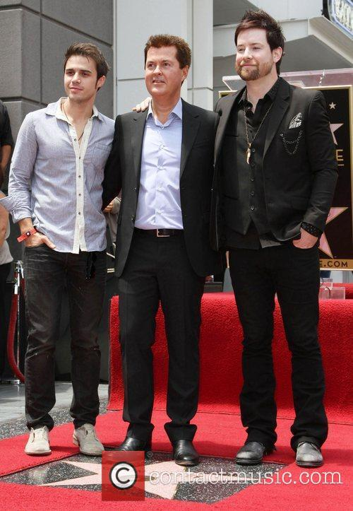 Kris Allen, Lee Dewyze and Simon Fuller 2