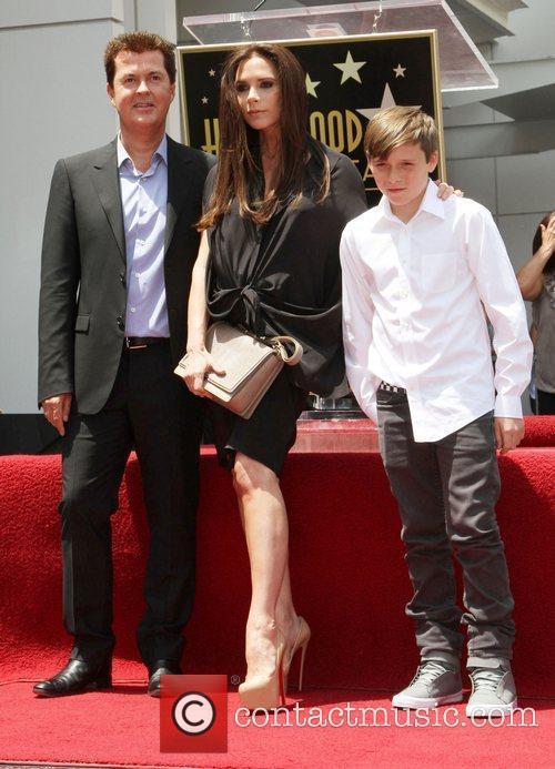 Simon Fuller, Brooklyn and Victoria Beckham 7