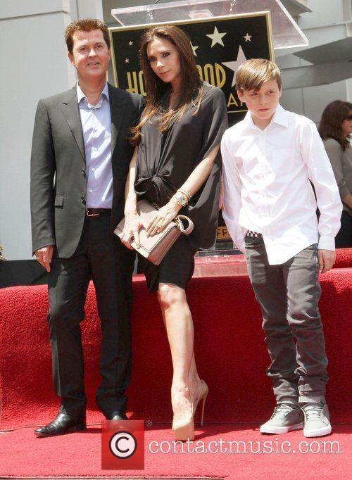 Simon Fuller, Brooklyn and Victoria Beckham 8