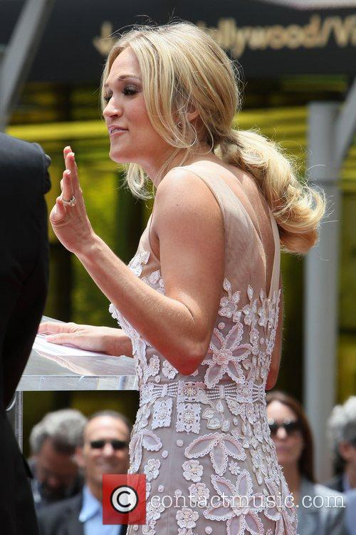 Carrie Underwood 24
