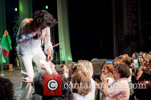 Brazilian romantic singer, Simone, performing live at Coliseu...