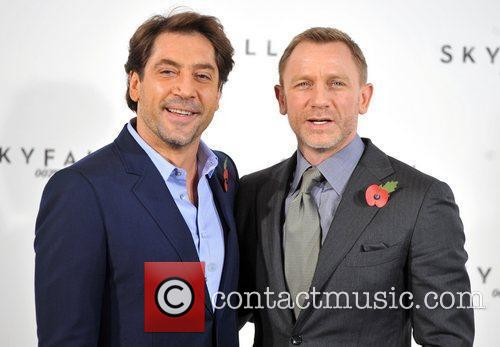 Daniel Craig and Javier Bardem 4