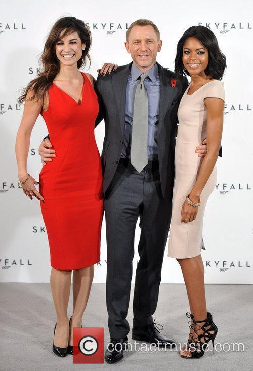 Daniel Craig and Naomie Harris 3