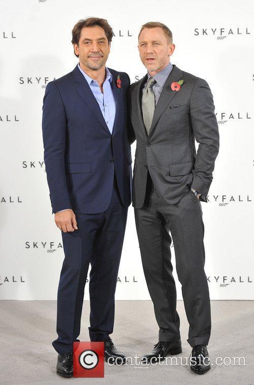 Daniel Craig and Javier Bardem 3