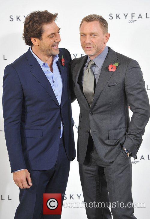 Daniel Craig and Javier Bardem 4