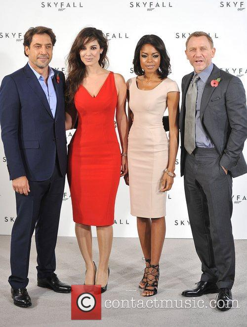 Daniel Craig, Javier Bardem and Naomie Harris 5