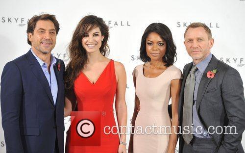 Daniel Craig, Javier Bardem and Naomie Harris 8