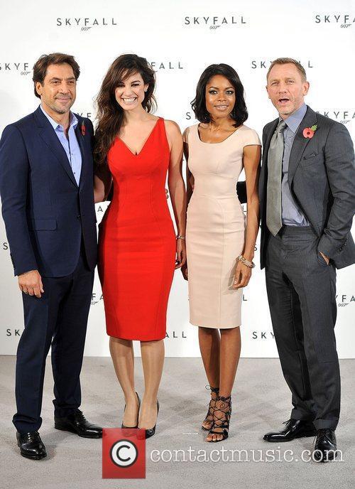 Daniel Craig, Javier Bardem and Naomie Harris 6
