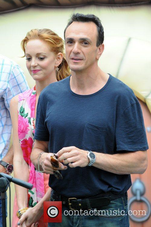 Jayma Mays and Hank Azaria 8