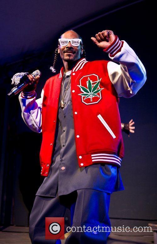 Snoop Dogg and Stubb's Bbq 12