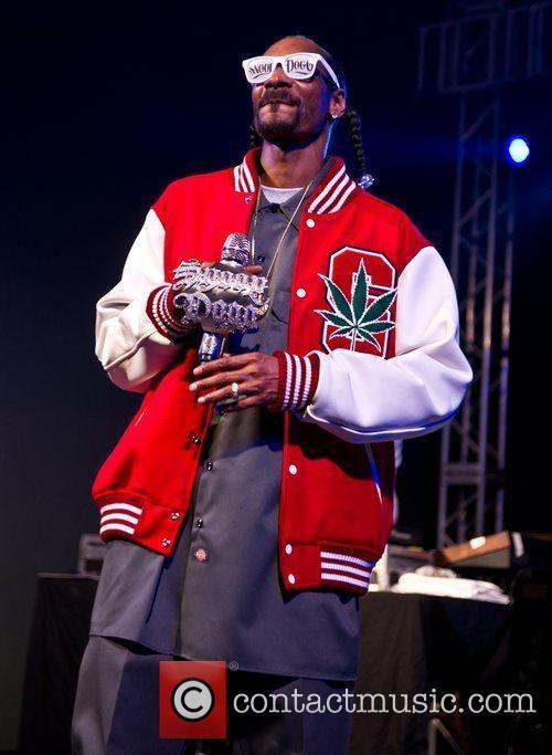 Snoop Dogg and Stubb's Bbq 14